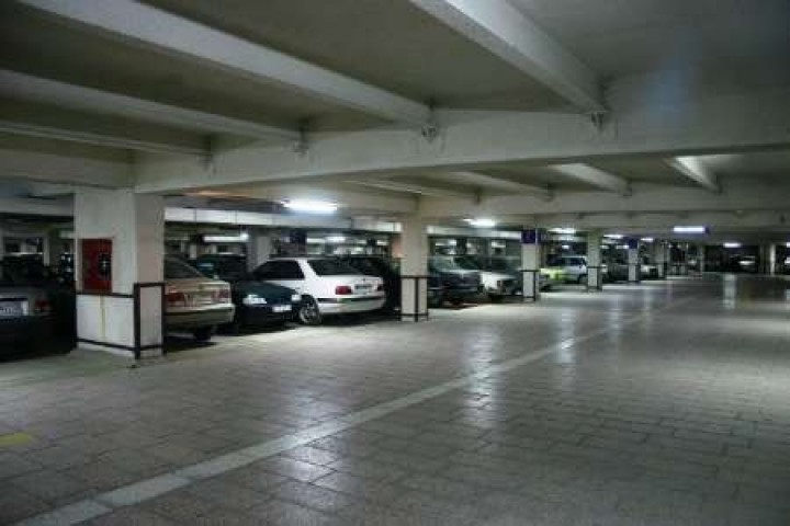نیاز مبرم کلانشهر ارومیه به ساخت پارکینگ های طبقاتی