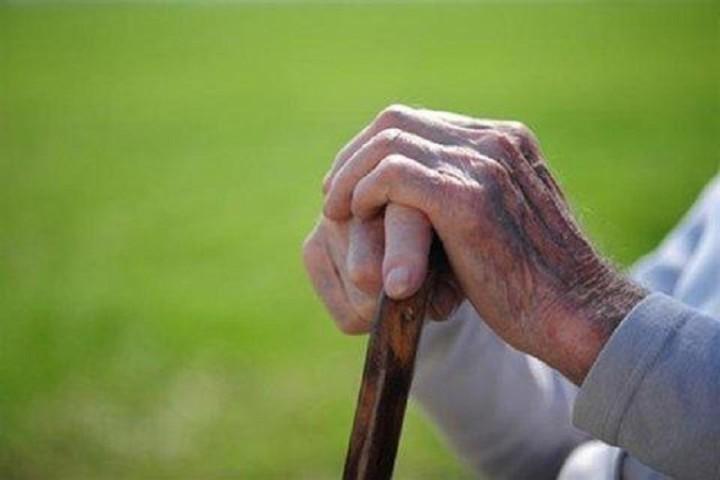 ضرورت مراقبت از سالمندان در روزهای کرونایی