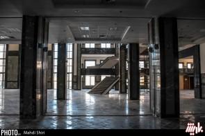 تالار مرکزی ارومیه در پس وعدهها پیر شد