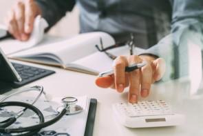 عدم نظارت بر اعمال نرخ ویزیت سلیقهای در مطبها