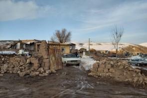 توزیع اقلام بهداشتی در مناطق زلزله زده خوی
