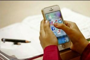 لزوم نظارت والدین بر فعالیت دانشآموزان در فضایمجازی