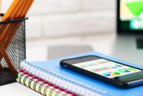 تلفن همراه معضلی برای سلامت روح و روان دانش اموزان