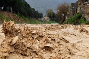 سیل تابستانی به باغات کوهسار آسیب زد