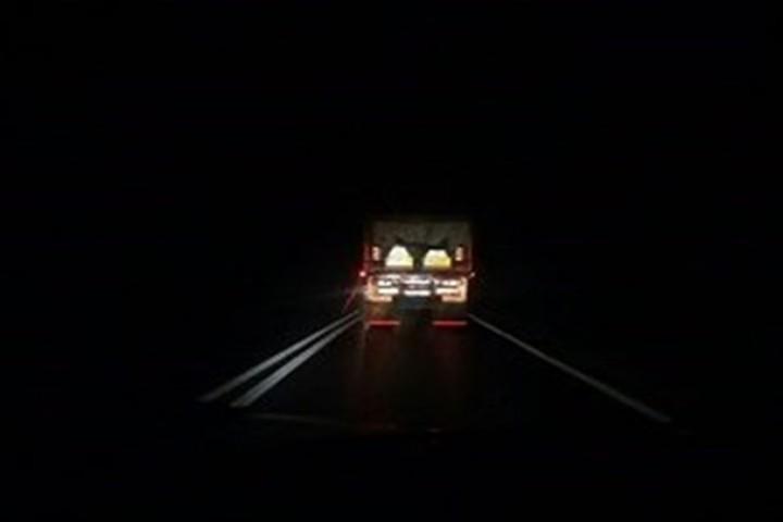 تاریکی جاده
