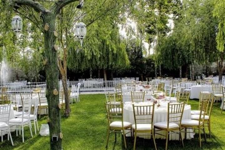 لطفا به مسئولان بگویید از برگزاری عروسی در باغات جلوگیری کنند