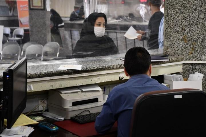 بانکها در شرایط کرونایی مردم را دریابند