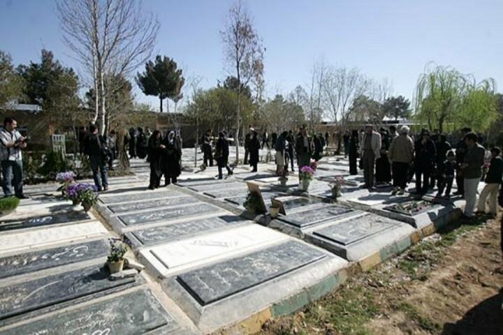 زندگان فدای مردگان / کمین کرونا در باغ رضوان ارومیه