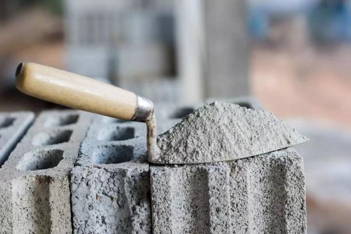 دولت با افزایش نرخ سیمان، بر رکود ساخت و ساز مسکن دامن می زند