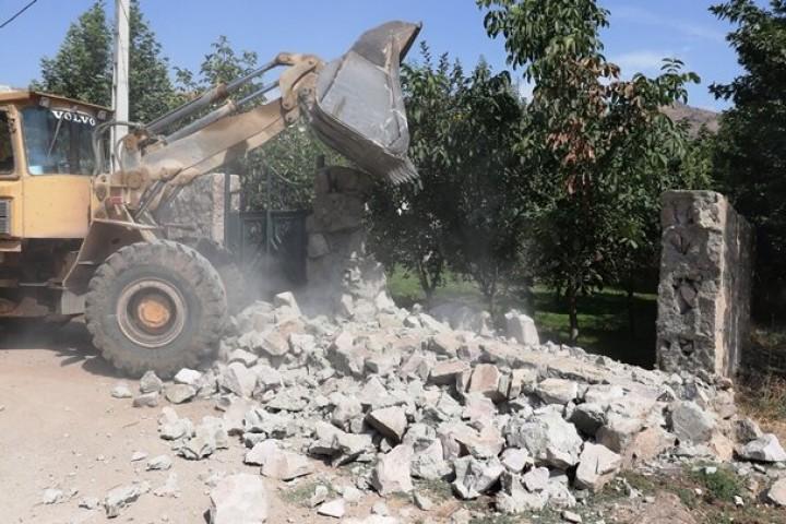 چرا در هنگام ساخت، متولیان از این ساخت و سازها جلوگیری نکردند؟