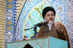 مردم و مسئولان با خرید کالاهای ایرانی از تولیدات داخلی حمایت کنند