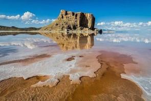 دریاچه ارومیه در حال جان دادن است