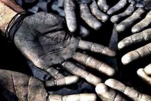 روزگار ناخوش کارگران / دست های ترک خورده و جیب های خالی
