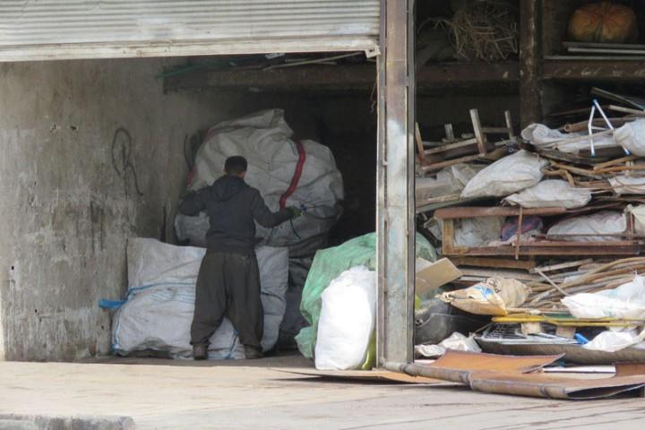 مکان های جمع آوری ضایعات در داخل شهر بلای جان شهروندان