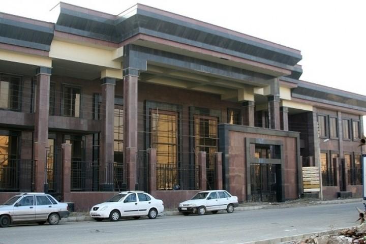 تالار مرکزی ارومیه همچنان در بلاتکلیفی به سر میبرد
